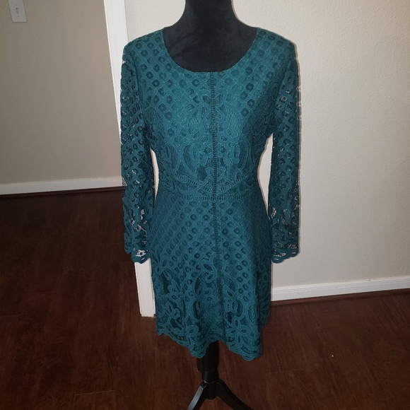 d39fc5f2cd5 Cupcakes   Cashmere Lace Dress  NWT